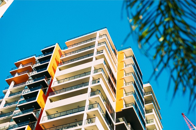 pros and cons of buying condo